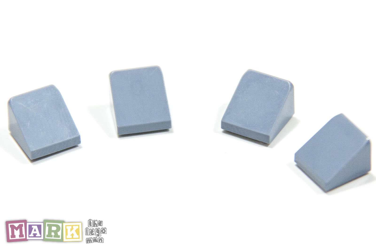 New LEGO Lot of 4 Medium Blue 1x1x2//3 Mini Slopes