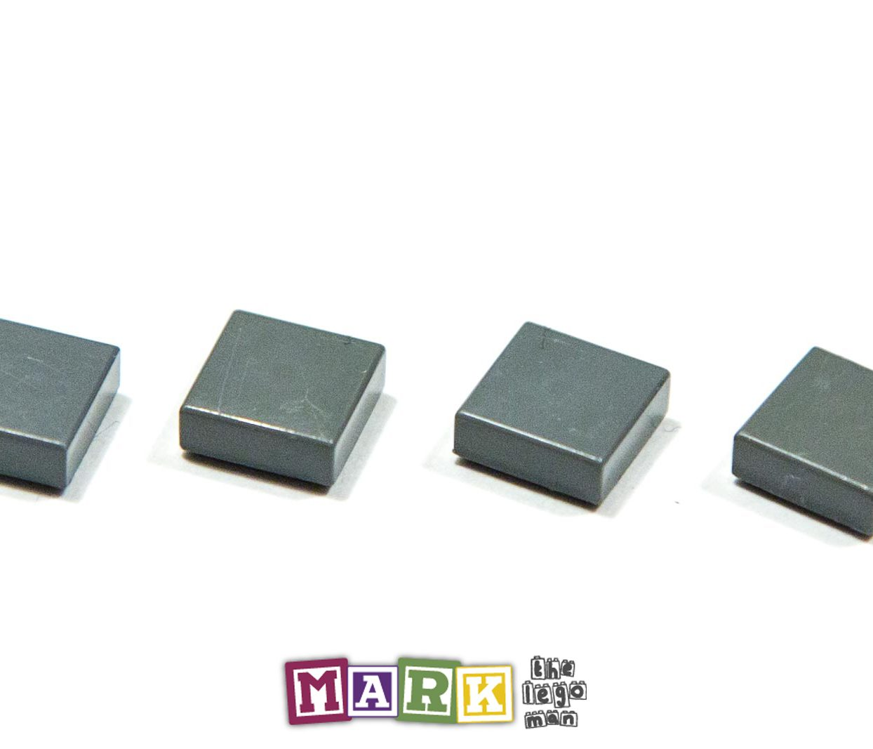 Pack of 4 Lego 3070 1x1 Flat Tile 4210848