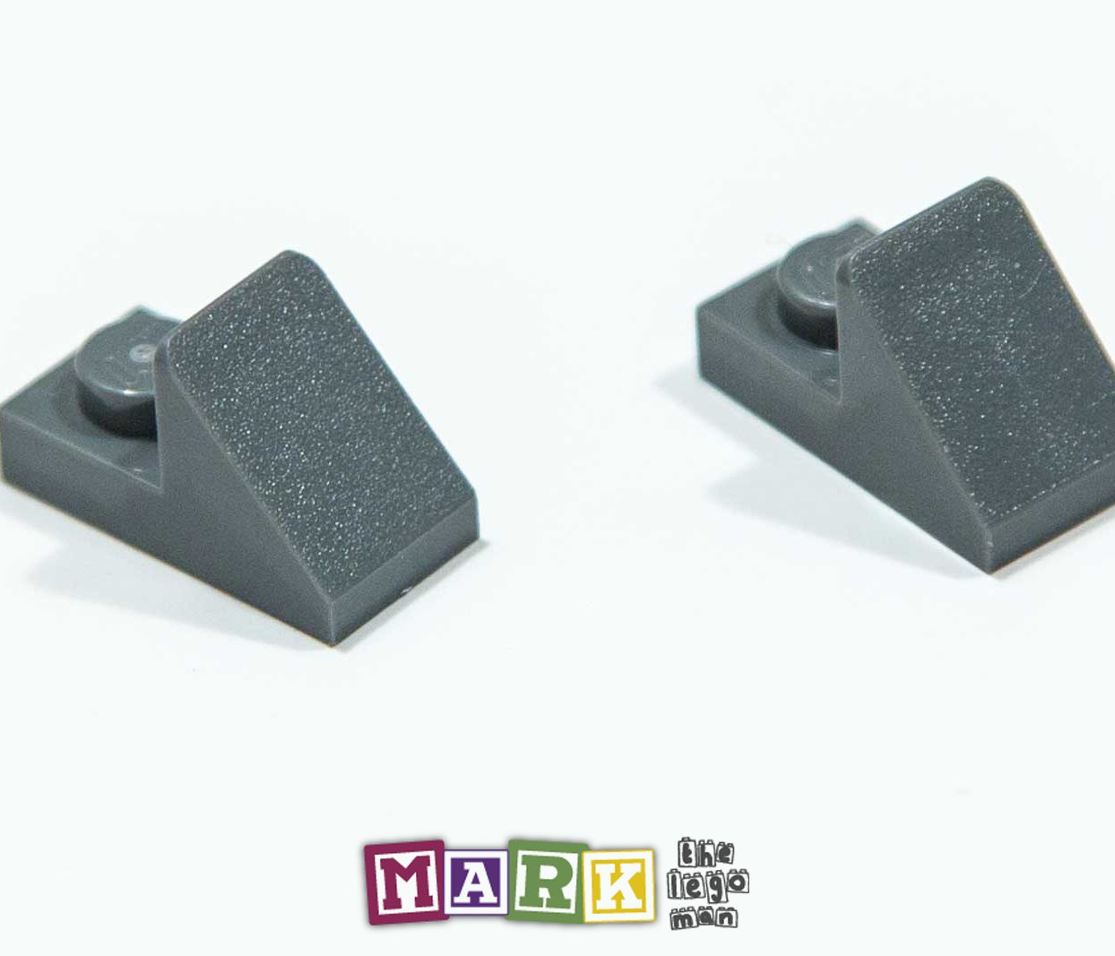 Pack of 2 New Lego 92946 1x2 Roof Tile 45 Degree With Plate 4621917